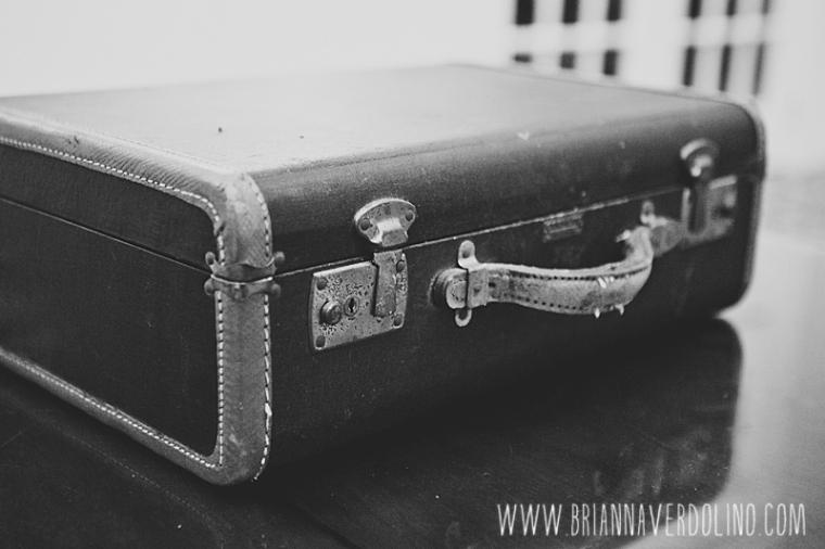 Sterling Massachusetts Wedding Photographer Chocksett Inn Pink Blush Gold Vintage Old Hollywood Wedding Vintage Suitcase