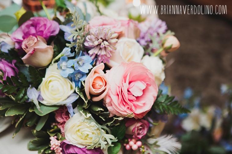 Sterling Massachusetts Wedding Photographer Chocksett Inn Pink Blush Gold Vintage Old Hollywood Wedding Pastel Flower Arrangement